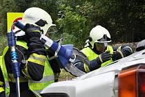 Cvičení hasičů a dalších složek IZS v Dubí, na E55. Nehoda devíti aut, jedna cisterna a také požár.