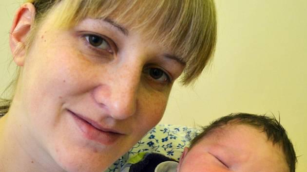 Mamince Lucii Navrátilové z Krupky se 21. listopadu ve 23.07 hod. v teplické porodnici narodil syn Matyáš Hobza. Měřil 50 cm a vážil 3,30 kg.