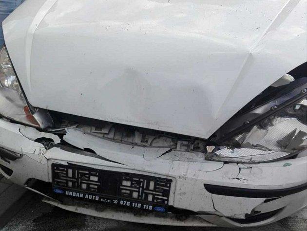 Nehoda tří aut v Duchcově.