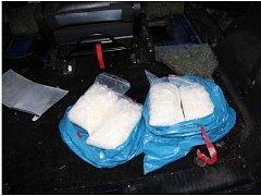 Kriminalisté z teplického TOXI týmu zajistili pervitin za miliony, muž schovával drogy ve speciálně upraveném autě.
