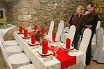 Na hradě v Krupce prezentují svatební tabule pro rok 2009