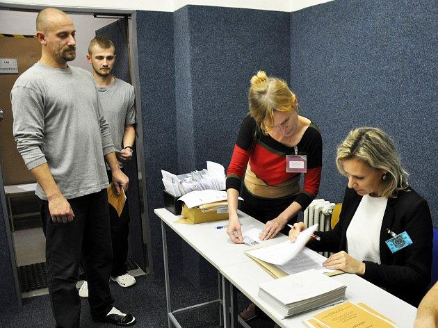 Ve vazební věznici vTeplicích volilo 82vězňů.