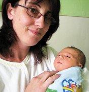 Mamince Monice Mašitové z Teplic se 9. července v 23.59 hod. v teplické porodnici narodil syn Adam Votruba. Měřil 52 cm a vážil 3,75 kg.