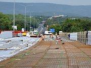 Oprava mostu nad železničním koridorem Teplice - Most se zpozdí o dva měsíce.