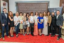 Kadeřnické profesionální studio Jana Burdová bude společně s Deníky měnit šest žen v období od února do května 2020.