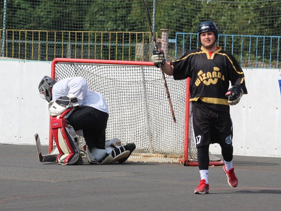 Hokejbalový turnaj v Krupce - Krupka vs. Louny
