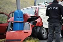 Smutně skončila pro staršího pána cesta autem Bystřanskou ulicí v Teplicích.