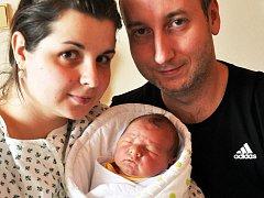Mamince Barboře Poštové z Dubí se 2. února ve 20.25 hod. v teplické porodnici narodil syn Daniel Doležal. Měřil 50 cm a vážil 3,30 kg.