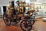 Historii teplických hasičů ukazuje výstava v jízdárně muzea