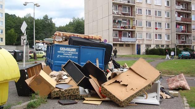 Mezi problémové lokality patří i horní sídliště Krupka - Maršov.