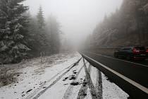 První sněhový poprašek se objevil 12. listopadu na Cínovci