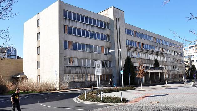 Vrátného v budově OV KSČ dělali i ředitelé podniků.
