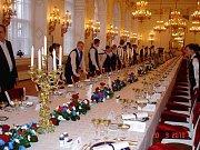Novou rusko-americkou smlouvu o omezení strategických zbraní podepíšou americký prezident Barack Obama a ruský prezident Dmitrij Medveděv 8. dubna v Praze.
