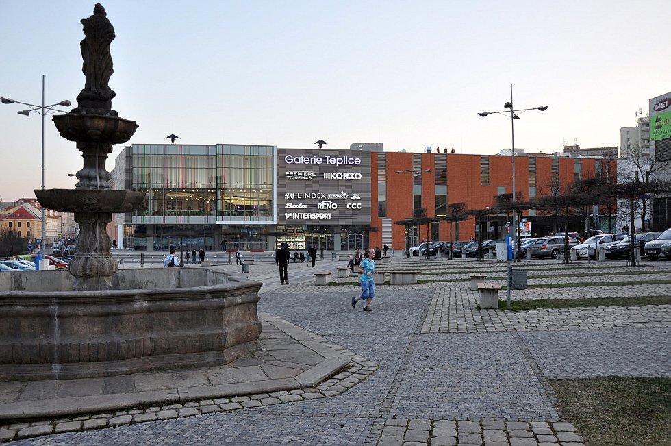 Otevření Obchodního centra Galerie Teplice, 2014.