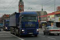 Na masarykově ulici v Teplicích je velký hluk díky frekventované dopravě.