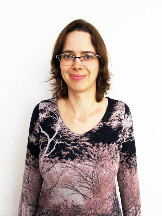 Pátý ročník Proměn společného projektu Deníku a Studia Jana Burdová, se právě dostal do své poloviny. Dnes si můžete prohlédnout už třetí proměněnou dámu, kterou je osmatřicetiletá Kateřina Bartošová z Benátek nad Jizerou.