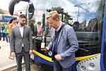 Nový trolejbus v Teplicích, prototyp Škoda 33 Tr. Vedení města Jiří Štábl (ANO) a Hynek Hanza (ODS)