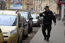 Parkování v ulici 28. října v Teplicích. Ilustrační foto