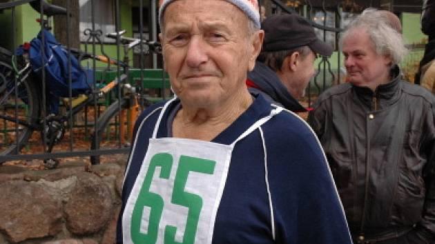 Čtařiaosmdesátiletý Otakar Mach