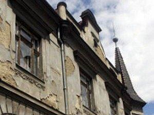 Ilustrační foto chátrající budovy