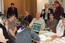 Obyvatelé Košťan nechtějí elektrárnu na biomasu