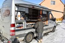 Pojízdná prodejna v Mošnově na Teplicku. Ilustrační foto.