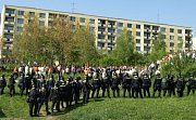 Dělnická strana měla mítink v Krupce, policejní manévry, střety s Antifou a další.