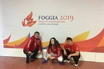 GABRIELA AIGERMANOVÁ s předsedou klubu Karlem Bieblem (vlevo) a tatínkem Františkem.