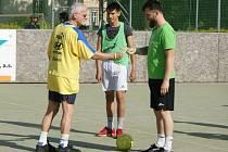 Na Lázeňském poháru na hřišti Gymnázia Teplice se sešlo několik národností z devíti zemí