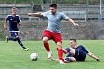 Fotbalisté Českého Lva Neštěmice (šedočervení) zahájili nový ročník I.A třídy vítězstvím nad FK Bílina (modří) 3:1.