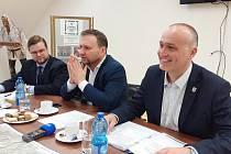 Rostislav Kadlec, místostarosty Krupky, uprostřed poslanec Marian Jurečka a vlevo Jan Růžička, předseda KV KDU-ČSL Ústeckého kraje.