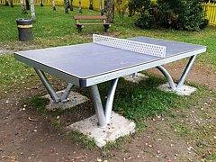 Město Teplice rozšiřuje vybavenost veřejných hřišť o pingpongové stoly.