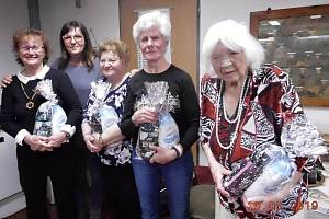 Františka Amihaseová (vpravo) oslavila nedávno své 95. narozeniny