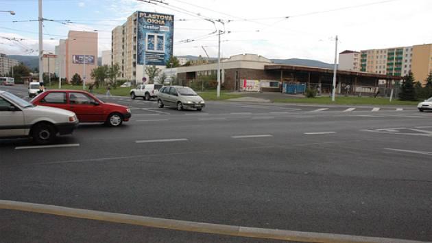 Křižovatka u bývylého kina Lípa, kde bude kruhový objezd.