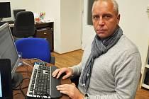 Petr Benda při ON LINE v redakci Teplického deníku.