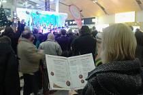 Česko zpívá koledy...zpívají i Teplice konkrétně v Olympii