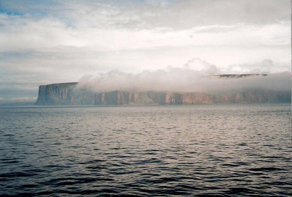 Na Orkneje za megality a 3000 starou hrobkou Maeshowe