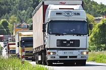 Doprava na Teplicku: rychlostní silnice z UL do TP a silnici přes Bořislav a Velemín na dálnici D8.