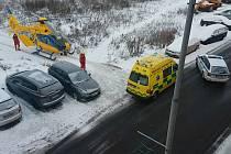 Žlutý vrtulník záchranářů zasahoval v Novosedlicích.