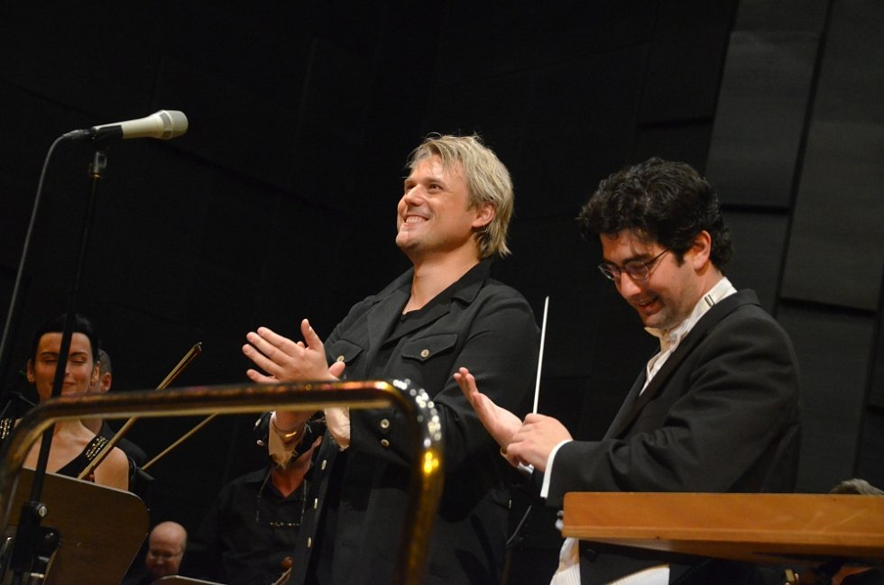 Vánoční koncert Davida Deyla v DK Teplice