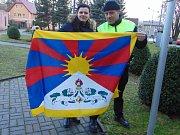 Vlajka Tibetu nahradila v pátek vlajku obce Proboštov.