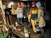 Na sobotní hornický den do štoly Lehnschafter v Mikulově se i přes nepřízeň počasí dostavilo poměrně dost návštěvníků.