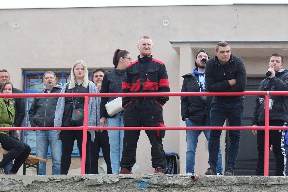 Trnovany (červené dresy) - Novosedlice 0:2