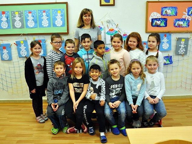 Na fotografii jsou žáci ze ZŠ Za Chlumem vBílině, 1.Atřída paní učitelky Hany Martinovské.