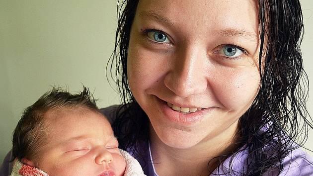 Mamince Martině Ptáčkové z Teplic se 24. září ve 4.39 hod. v teplické porodnici narodila dcera Dominika Ptáčková. Měřila 51 cm a vážila 3,35 kg.