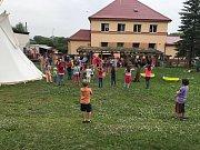 Otevření nové pohádkové stezky v Hrobčicích.