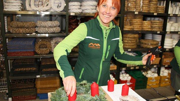 V Zahradnictví Dvořák vonělo jehličí, lidé vyráběli adventní věnce