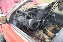 Ohořelé vozidlo v Krupce