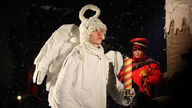 Doprovodný program u příležitosti rozsvěcení vánoční stromku na náměstí Svobody v Teplicích.