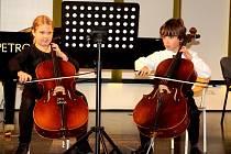 Mladí talentovaní tepličtí violoncellisté se představili v Chomutově